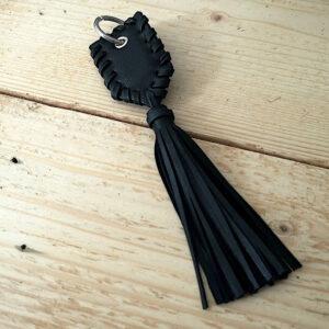 Porte-clés noir franges